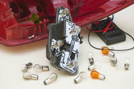 Replacing the bulbs of the rear lights of the car
