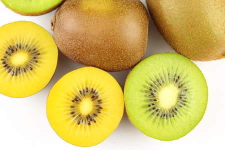 composition of fresh green and yellow kiwi fruits Stockfoto