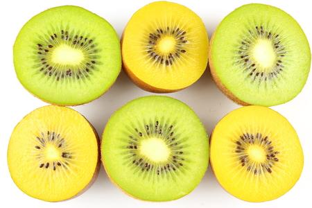 samenstelling van verse groene en gele kiwi's
