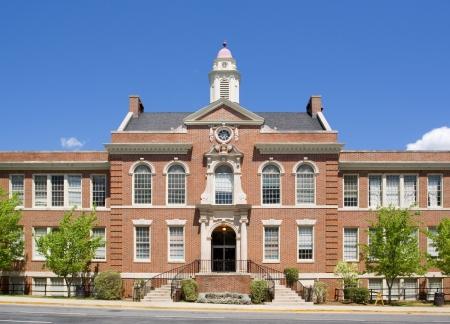 schulgeb�ude: Highschool  Lizenzfreie Bilder