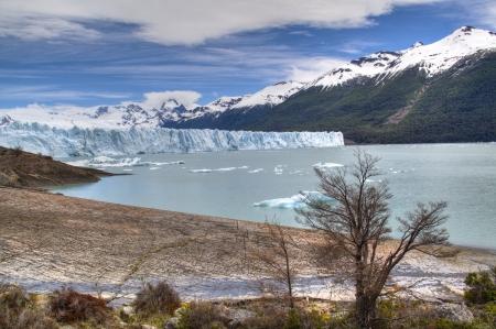 View over the Perito Moreno glacier in El Calafate, Argentina Фото со стока - 16944230