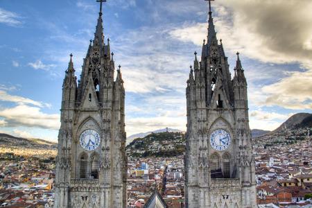 cath�drale: Tours de la cath�drale de Quito, Equateur Banque d'images