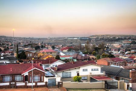 Uitzicht over Soweto, een township van Johannesburg in Zuid-Afrika