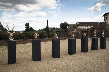 firenze: FLORENCE, ITALY - JULY 2016: Sculpture by the Belgian artist Jan Fabre at the Belvedere fortress near piazza dei Pitti in Firenze, Italy