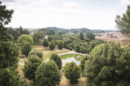 giardino: View over the famous Giardino di Boboli garden with a big pond in the middle  in Florence, Italy