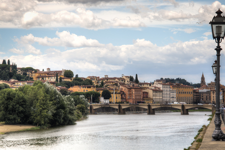 arno: Several historical buildings next to the Arno river near the city of Florence, Italy
