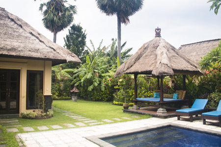 Fancy hotel room with private swimming pool in Pemuteran in Bali, Indonesia Фото со стока - 120168031