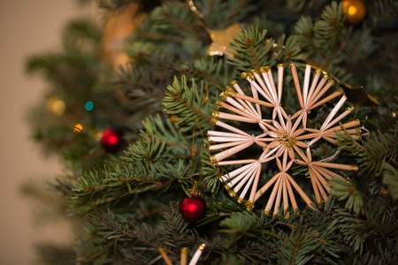 Straw star on Christmas tree Stock Photo - 12020263
