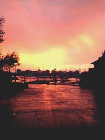 glow: Red glow from sun