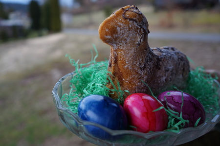 oestern egg and lamb