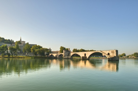 The Popes Bridge from the banks of the Rhone River in Avignon France  Standard-Bild