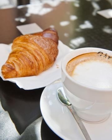 Croissant   Cappuccino