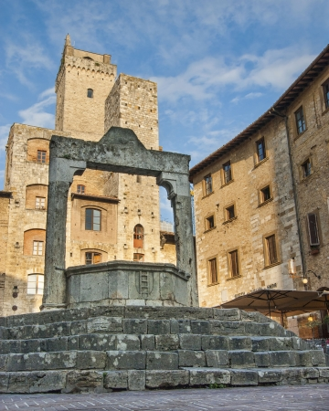 Cistern In San Gimignano Italien