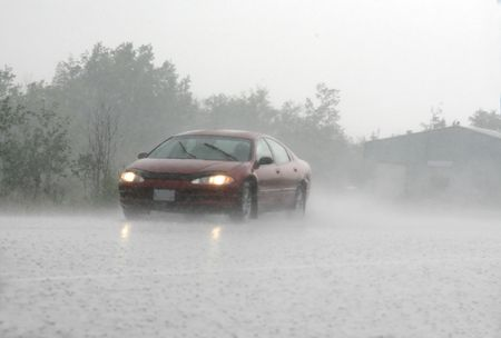 運転の雷雨