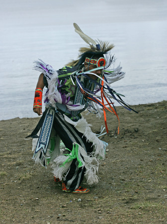 pow: pow wow dancer