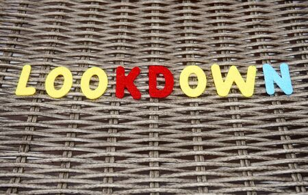 The word lookdown is made of felt. Banque d'images - 149578526