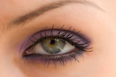 dilate: beautiful womans eye