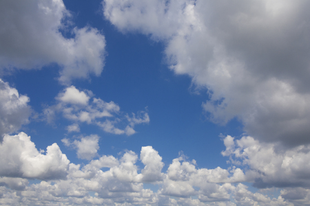夏の日の空の雲 写真素材