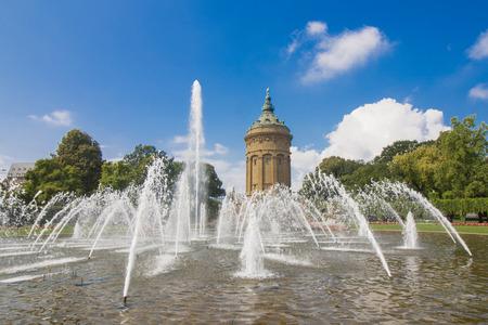 Fountains At Friedrichsplatz With Mannheim Water Tower 版權商用圖片