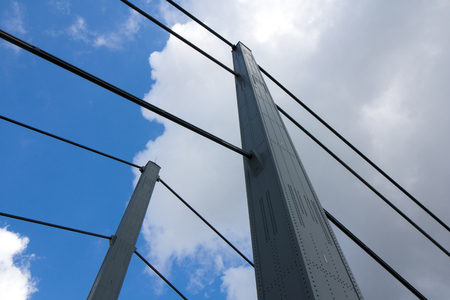 The structural engineering of the Theodor-Heuss-Bridge in Dusseldorf in detail