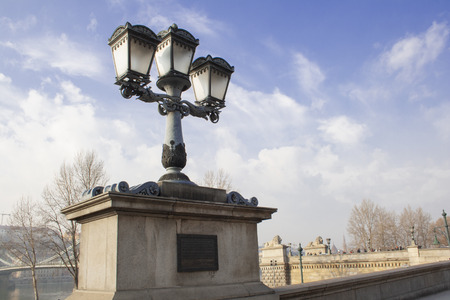 Lanterns next to the Sz?chenyi Bridge in Budapest, Hungary Banco de Imagens