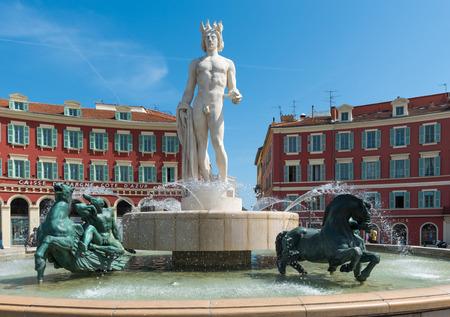soleil: Fontaine du soleil, Place Mass?na, Nice