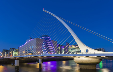 The Samuel Beckett Bridge in Dublin, Ireland 스톡 콘텐츠