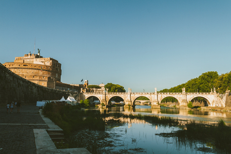 Bridge by the Castle of Sant'Angelo in Rome Reklamní fotografie - 102946079