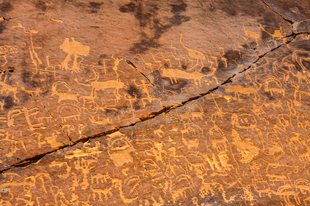 Musayqirah Petroglyphs (Qaryat-al-Asba), Riyadh Province, Saudi Arabia Stock Photo - 83932279