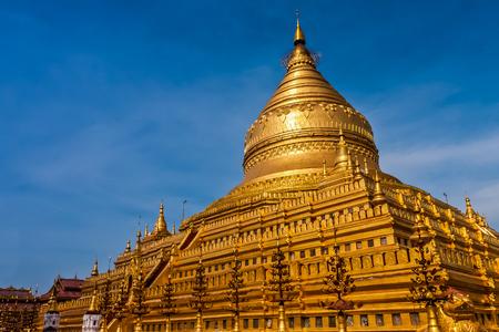 The Shwezigon Pagoda or Shwezigon Paya, 2C Nyaung-2C Myanmar