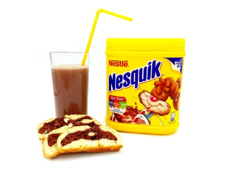 Pescara, Italy - February 18, 2019: NESQUIK Chocolate Powder. Nesquik is a brand of products made by Nestlé Standard-Bild - 117481750