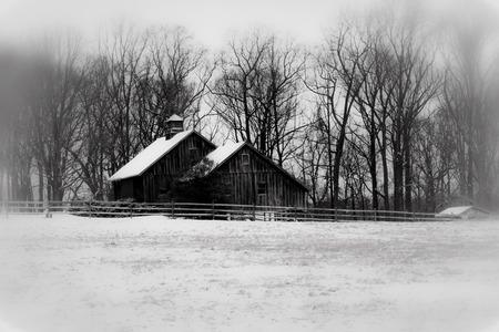 Snowy barn monochrome Stok Fotoğraf