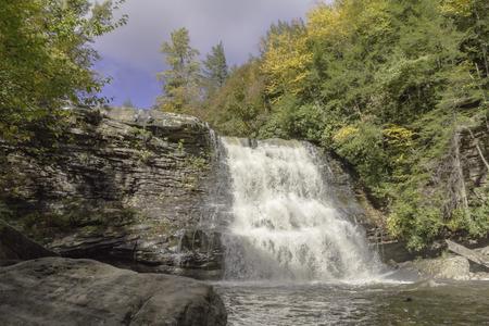 Watervallen bij Swallow Creek Falls State Park, MD Stockfoto