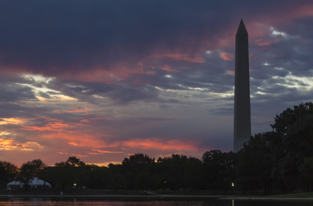 washington monument: Washington Monument at sunrise