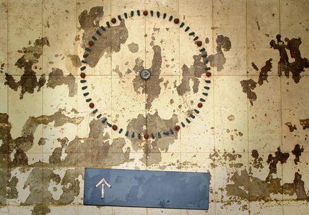 hands free: Grungy reloj sin manos, sin anuncios  copia espacio Foto de archivo