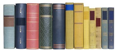colonna vertebrale: libri in una riga, isolato su sfondo bianco, svuotare le etichette con spazio copia gratuita