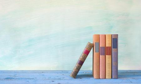 rij van boeken, gratis exemplaar ruimte Stockfoto