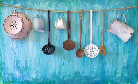utencilios de cocina: utenslis cocina de época, el concepto de cocina, espacio de libre copia Foto de archivo