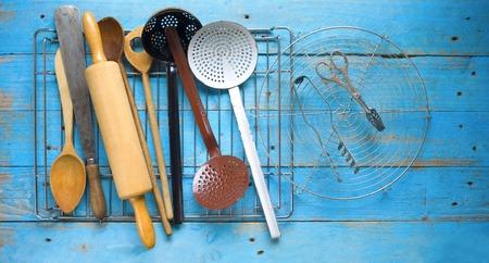 cocina antigua: utensilios de cocina, concepto de cocina, espacio de libre copia