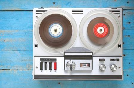 grabadora: grabadora de cinta de carrete abierto de la vendimia, copia espacio libre Foto de archivo