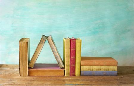 marca libros: hilera de libros antiguos buena copia espacio