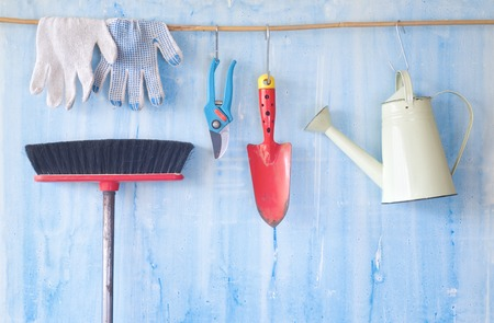 garden styles: gardening tools, gardening in the spring, free copy space Stock Photo