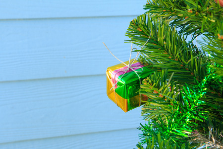 silhouettable: Gift box on chrismas tree