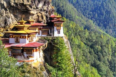 Taktshang Goemba 또는 타이거의 둥지 수도원, Paro, Bhutan. 스톡 콘텐츠