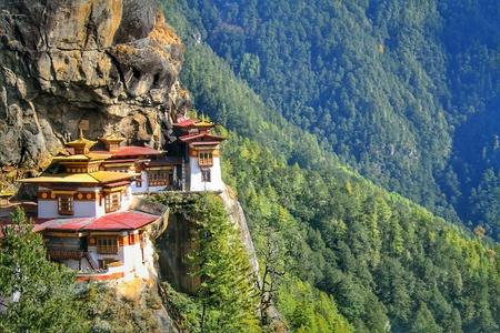 Taktshang Goemba または Tiger の巣の修道院、, ブータン, パロ。