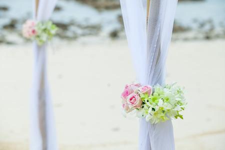 pareja enamorada: Conjunto de boda en la playa