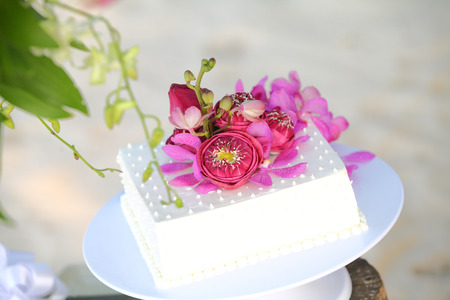 tiered: wedding cake with detailed iat reception