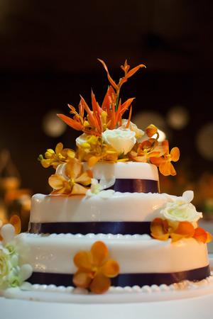 c�r�monie mariage: Un g�teau de mariage Banque d'images