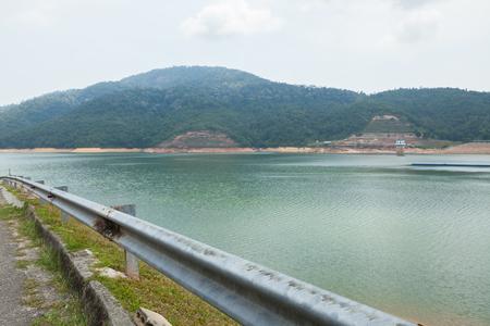 ペナン Malaysia.The Teluk Bahang ダムでダムのリッジの道 写真素材