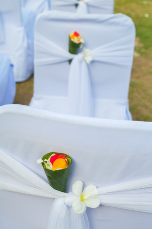 wedding detail (closeup of beautiful wedding decorated on beach wedding setup) 스톡 콘텐츠